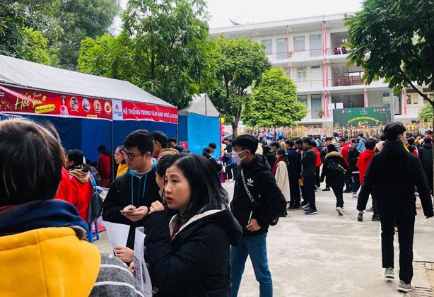"""Jaxtina đồng hành cùng sự kiện """"Chào tân sinh viên"""" của Đại học Bách Khoa Hà Nội"""