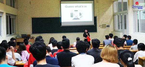 Jaxtina tổ chức lớp học trải nghiệm miễn phí phương pháp 3C hiệu quả cho sinh viên Bách Khoa