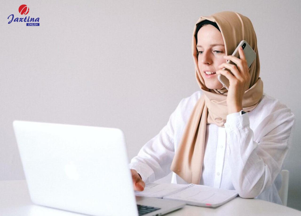 Practice Listening to sample sentences through telephone calls (Luyện nghe các mẫu câu hay qua cuộc nói chuyện điện thoại)